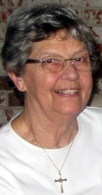 Beatrice Johanna Lyons obituary photo
