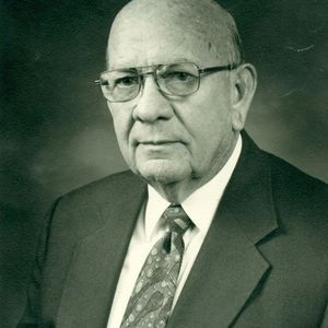 "James F. ""Frank"" Henshaw"