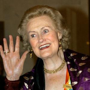 Joan Sutherland Obituary Photo