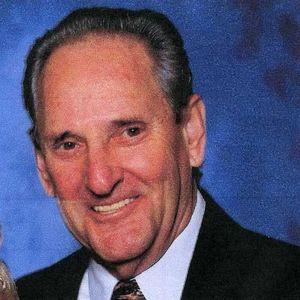 Thomas  Gordon Smith Obituary Photo