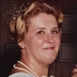 "Eleanor ""Ellen"" (Sharkey) Green Obituary Photo"