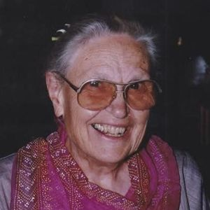 Elizabeth Hoye Calfee Obituary Photo