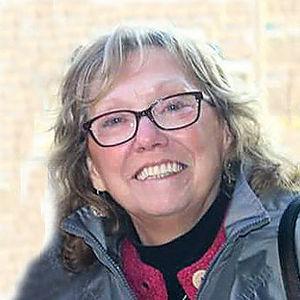 Lynda Lou Llewellyn