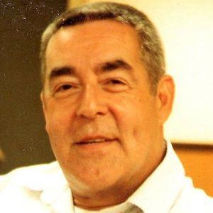 """Lawrence E. """"Larry"""" Hartnett, Jr. Obituary Photo"""