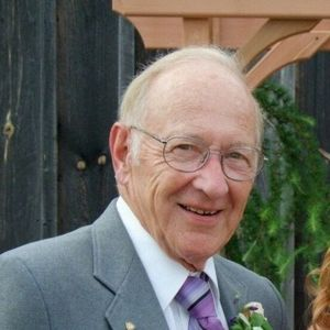 Stanford Russell Johnson Obituary Photo