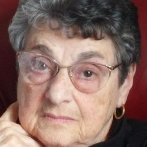 Therese St. Laurent Obituary Photo