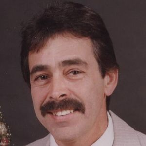 Robert C. Mangold Obituary Photo