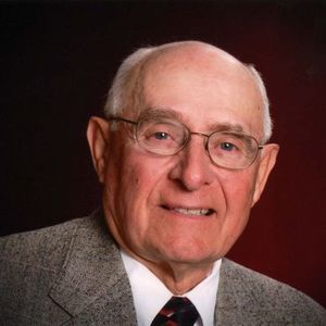Mr. Gene Arthur Schlueter Obituary Photo