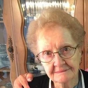 Eva Halpert Obituary Photo