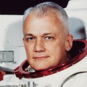 Bruce McCandless Obituary Photo