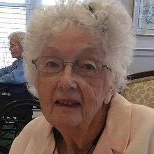 Mrs. Dorothy F. (Murphy) Saduikis Obituary Photo